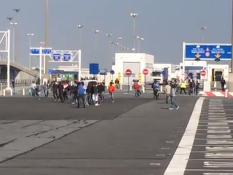 Invasão no porto de Calais