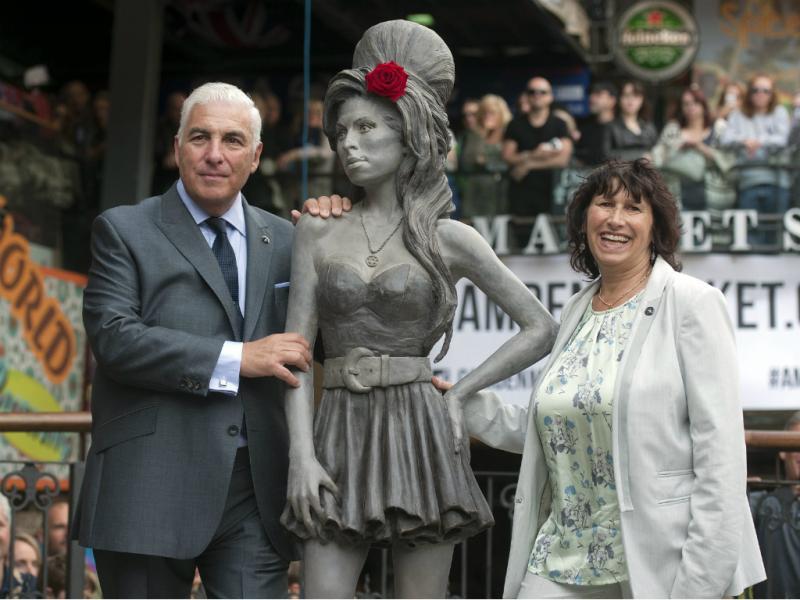 Inaugurada estátua de Amy Winehouse [LUSA]
