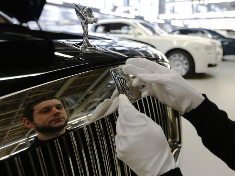 ROLLS-ROYCE (REUTERS)