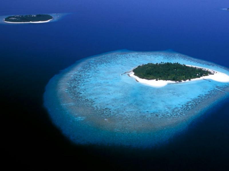 Ilha deserta à venda por 11 milhões de euros (Foto: visitmaldives.com)