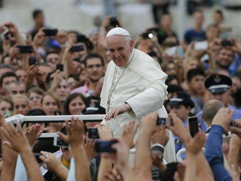 Papa: banho de multidão num país muçulmano (Lusa)