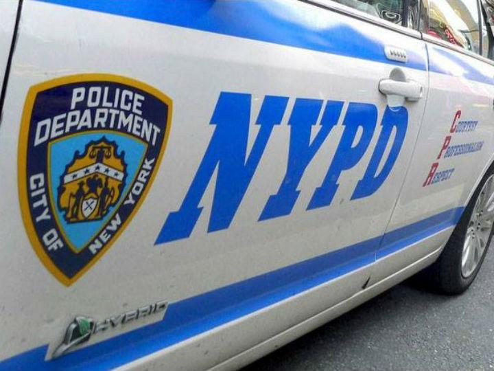 Um polícia de Nova Iorque salvou uma condutora que estava engasgada e não conseguia respirar (Facebook)
