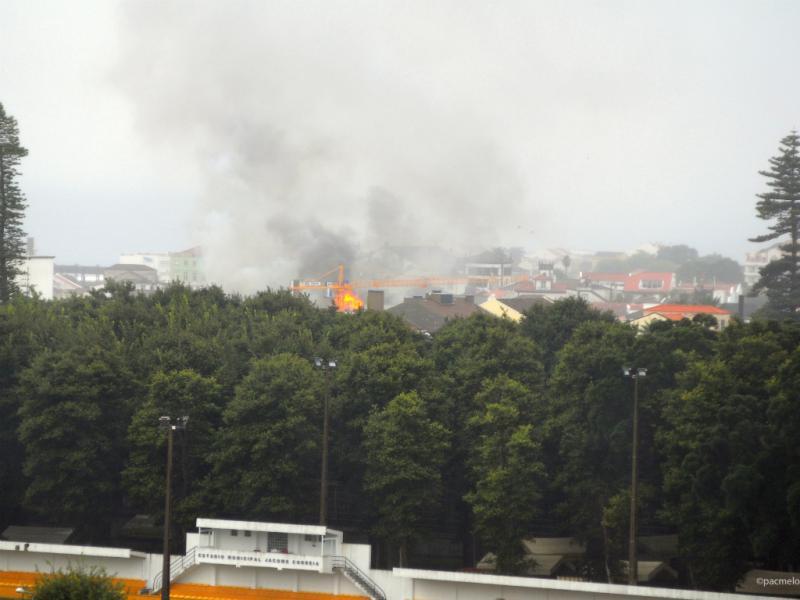 Incêndio em Ponta Delgada [Paulo Melo/Eu Vi]