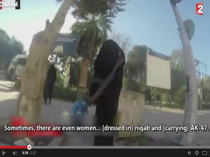 Jovem filmou ruas de Raqqa, cidade que está sob o domínio do Estado Islâmico (YouTube)