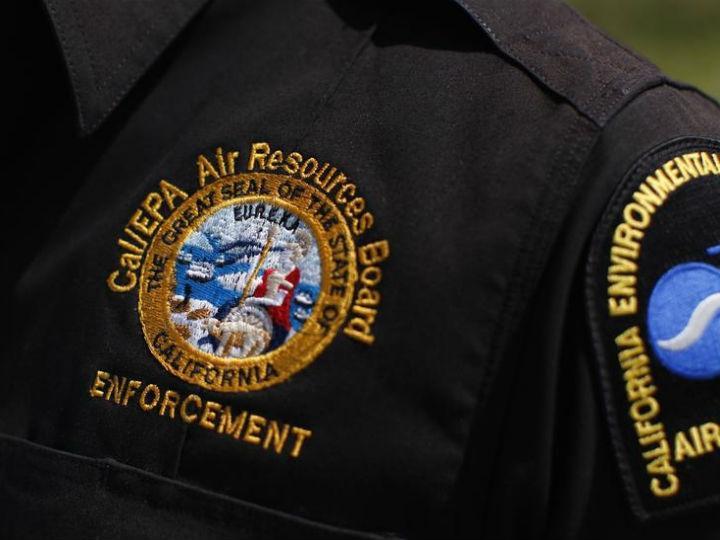 Mulher que foi agredida por polícia nos Estados Unidos vai receber indemnização de um milhão de euros (Reuters)