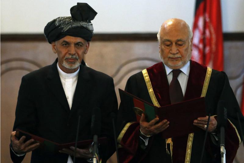 Ashraf Ghani a fazer o juramento de Presidente do Afeganistão (Reuters)