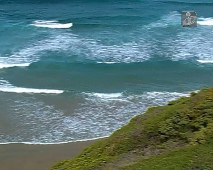 Surfista desaparecido na praia de Monte Clérigo