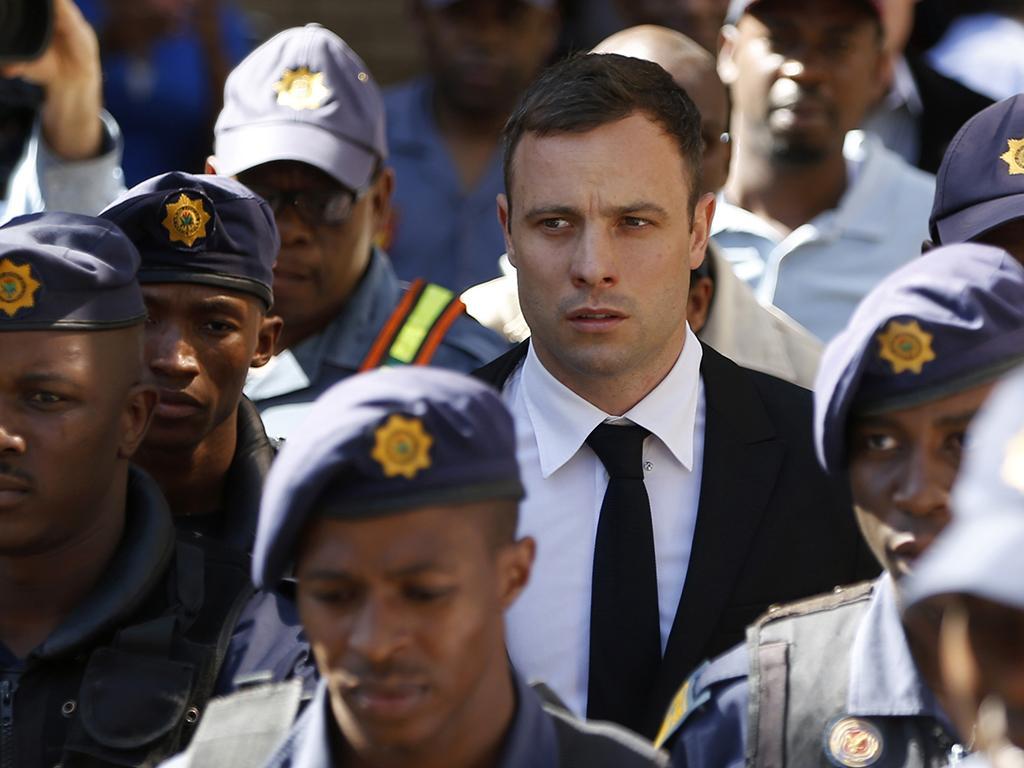 Pistorius: quarto dia à espera da sentença (Reuters)