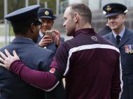Seleção de Inglaterra em cerimónia militar