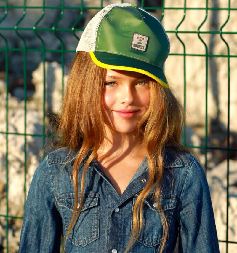 Самая красивая девочка 10 летняя.