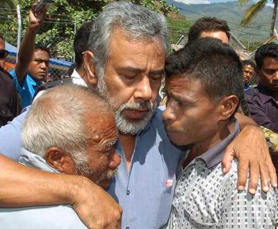 Xanana solidário com o sofrimento dos timorenses deslocados (Foto Lusa)