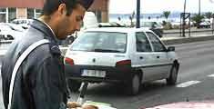 Vendedores fogem da polícia e dão a volta à lei