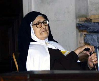 Irmã Lúcia morre aos 97 anos