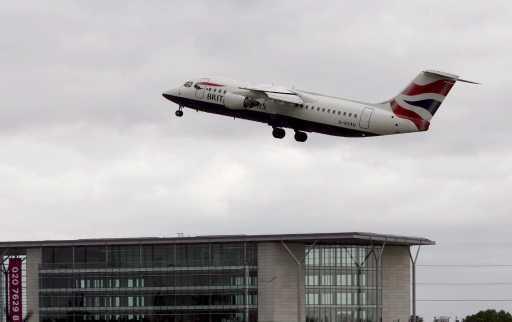 Alerta nos aeroportos de Londres - Foto Lusa