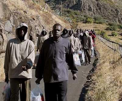 Imigrantes africanos chegam a Espanha [arquivo]