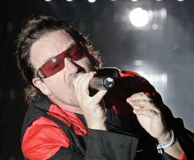 Alta voltagem no regresso dos U2