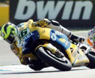 Rossi ganha pole no Estoril