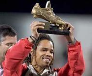Benfica no Dubai- Manu premiado como melhor jogador