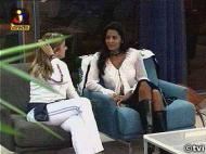 A brasileira tenta dar uma força a Nicole