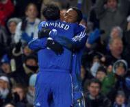 Chelsea: Frank Lampard festeja golo com Drogba.