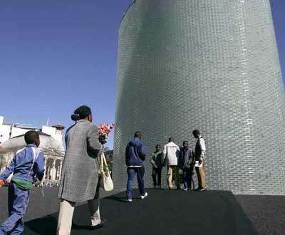 Monumento em Atocha - Foto de J.J. Guillen/EPA/Lusa