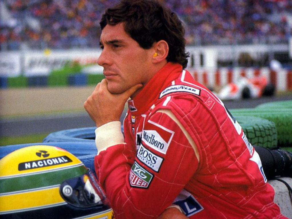 Jogadores do Corinthians vão entrar em campo com capacetes de Senna