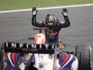 Vettel «agradece» ao carro (REUTERS/Adnan Abidi)