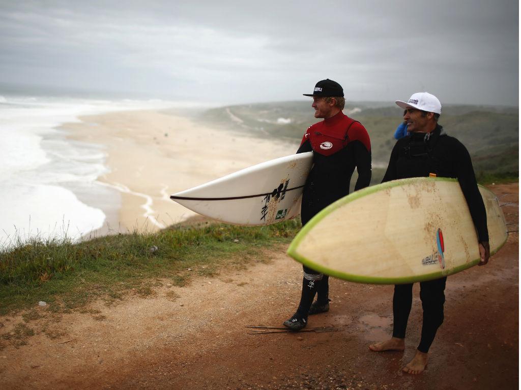 O dia a dia de Garrett McNamara na Nazaré (Reuters)