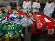 Cachecóis retirados da estátua de Eusébio (foto: Facebook do Benfica)