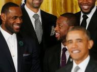 Obama, Le Bron James e Dwyane Wade [Reuters]