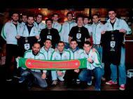 Seleção de Portugal na liga de futebol das Instituições Europeias homenageia Eusébio