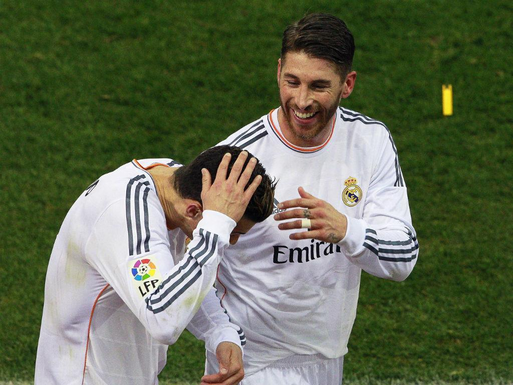 Cristiano Ronaldo atingido por isqueiro