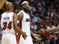 Os 61 pontos de Lebron James contra os Charlotte Bobcats (Reuters)
