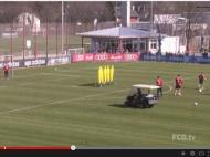 Thomas Muller invade treino do Bayern