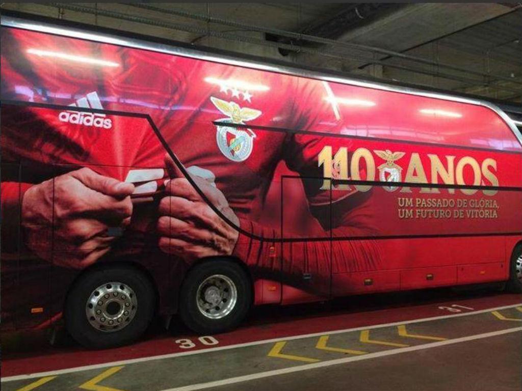 Nova imagem do autocarro do Benfica (fonte: Mística Encarnada)