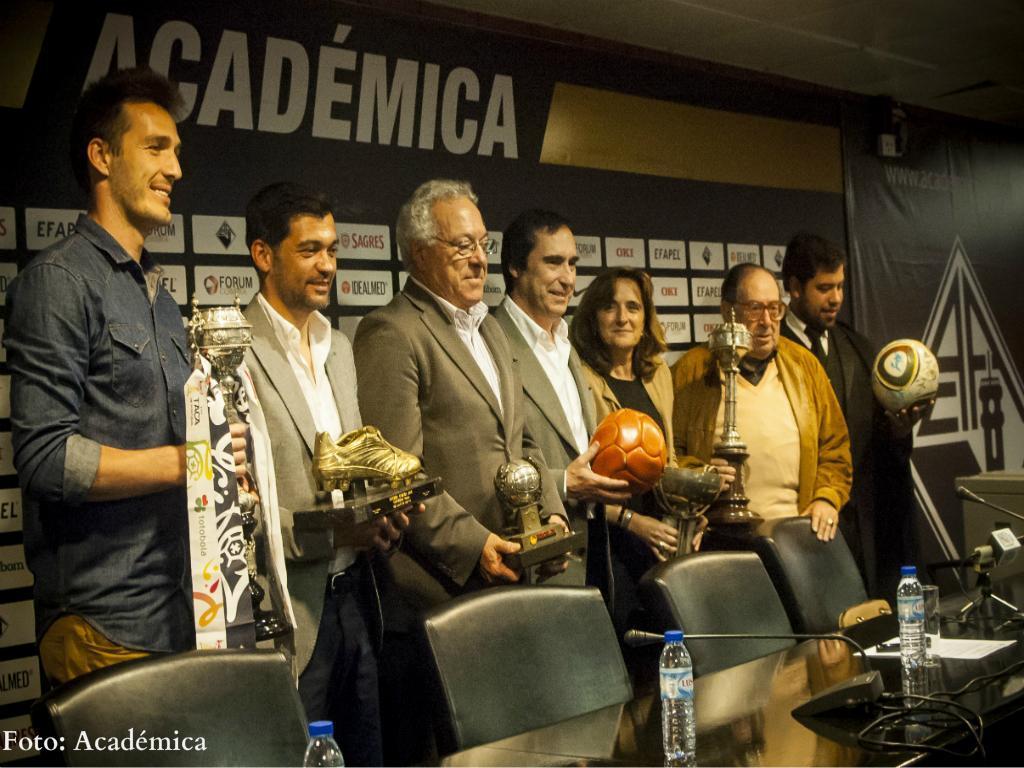 Apresentação da sala de troféus da Académica