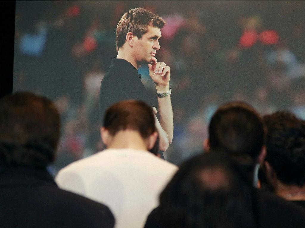 Jogadores do Barcelona prestam homenagem a Tito Vilanova (EPA/Marta Perez)