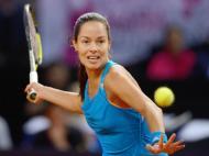 Sharapova bate Ivanovic e conquista 30º troféu da carreira