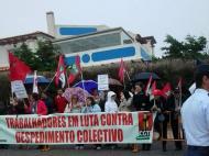 Manifestação em frente ao hotel da seleção