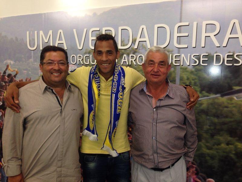 Nildo com o vice-presidente António Jorge e o presidente Carlos Pinho