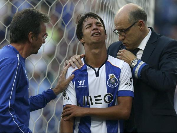 FC Porto  Oliver apto para o clássico  78efe459f19e4