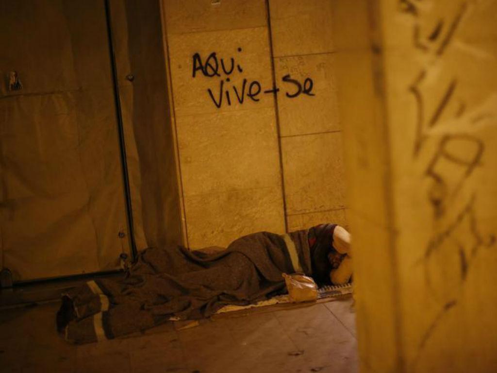 Sem-abrigo [Foto: Reuters]