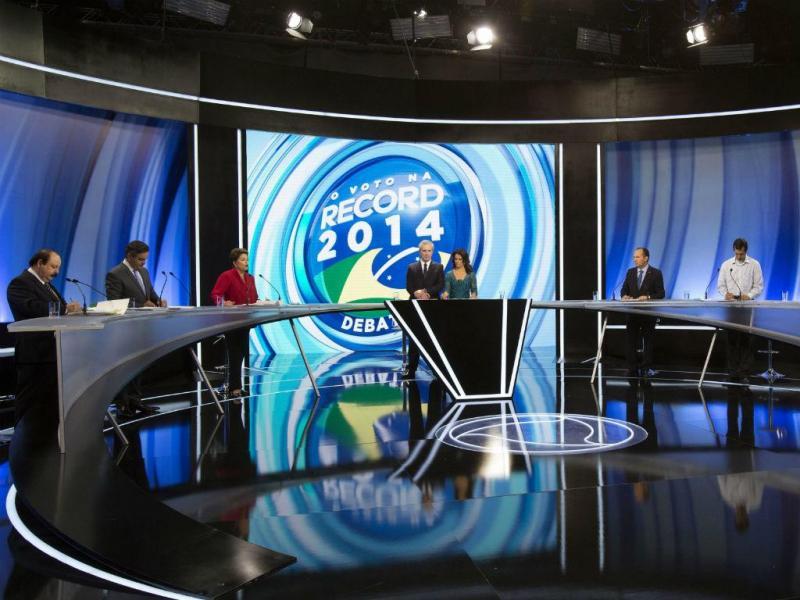 Levy Fidelix (primeiro a contar da esquerda), candidato às presidencias do Brasil (EPA/SEBASTIAO MOREIRA)