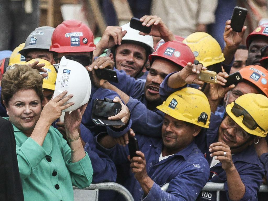 Dilma em campanha (EPA/LUSA)