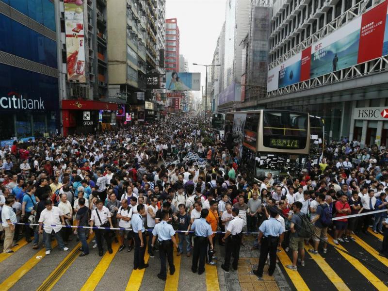 Confrontos na manifestação pró-democracia em Hong Kong (Reuters)