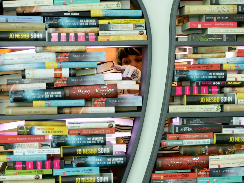 Livros (LUSA/EPA)