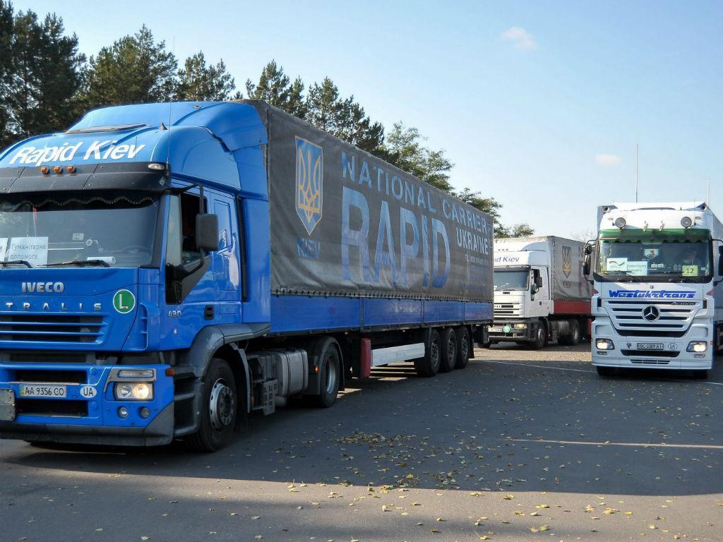 Camiões (LUSA/EPA)