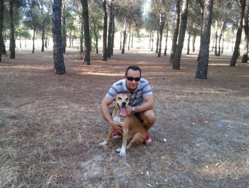 Javier Limón Romero e o seu cão (Reprodução / Facebook)