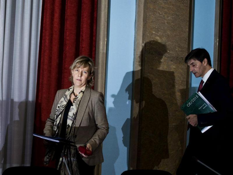 Maria Luís Albuquerque explica OE2015