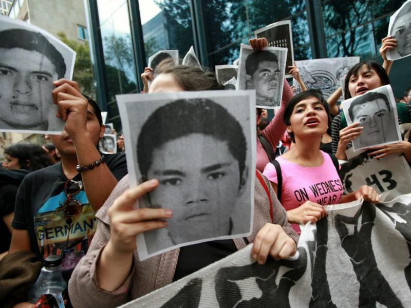 Dezenas de estudantes continuam desaparecidos no México (EPA/LUSA)